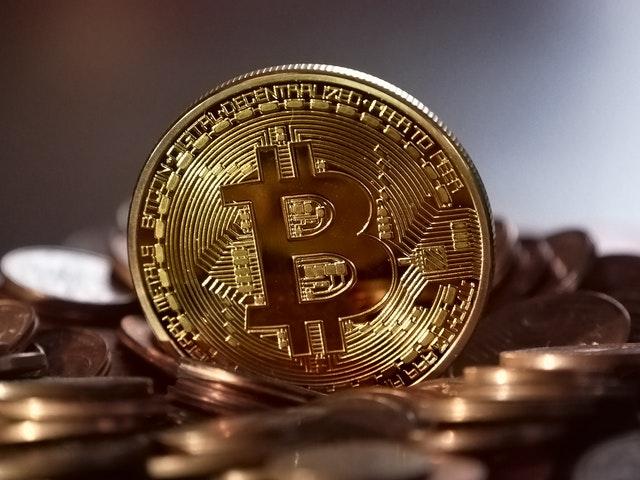 Alors que la crise des crypto-monnaies s'aggrave, les échanges de bitcoins interdisent les utilisateurs chinois